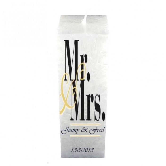 Trouwkaars Mr & Mrs op vierkante kristalkaars wit