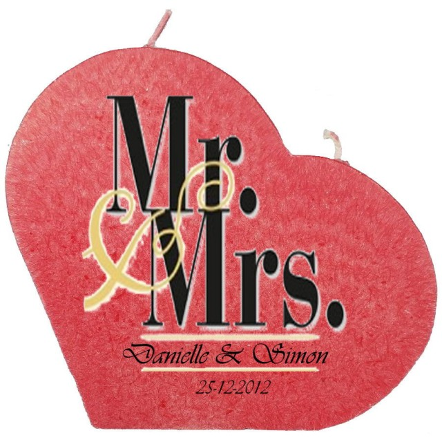 Trouwkaars MR&MRS op een grote hartkaars - rood