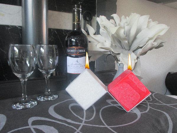 Vierkante kaarsen met kristalstructuur